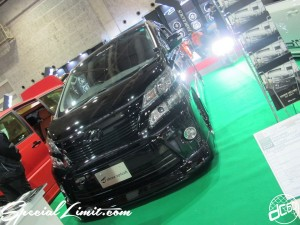 Osaka Auto Messe 2014 Car & Customize Motor Show Intex Custom three splash Vellfire