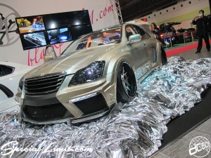Osaka Auto Messe 2014 Car & Customize Motor Show Intex Custom Slammed Wide Body CROWN